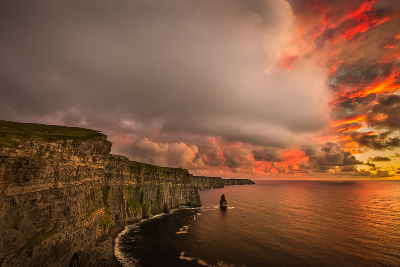 cliffs_of_moher_amazing_sunset