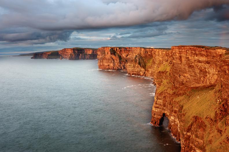 cliffs_of_moher_hag's_head