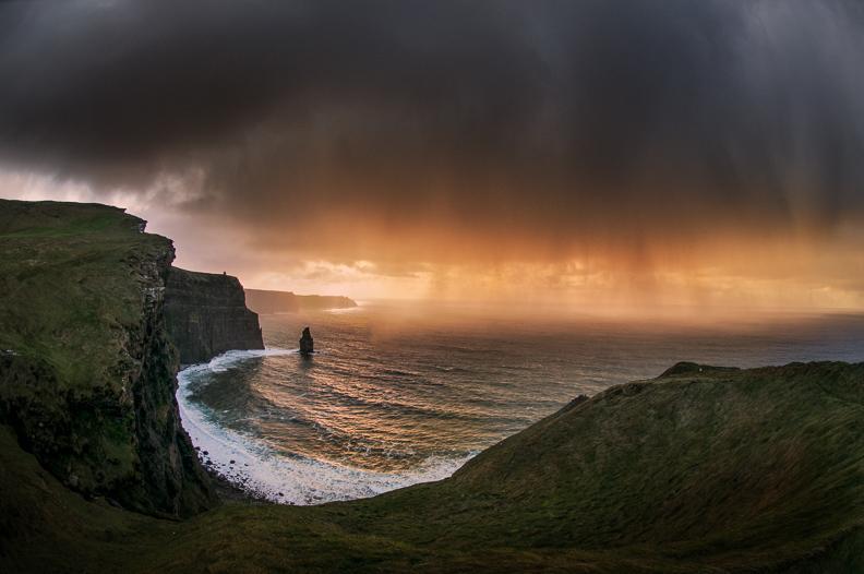 cliffs_of_moher_storm