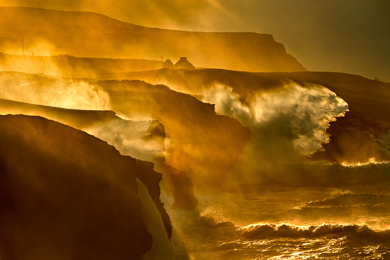 doolin_cliffs_waves