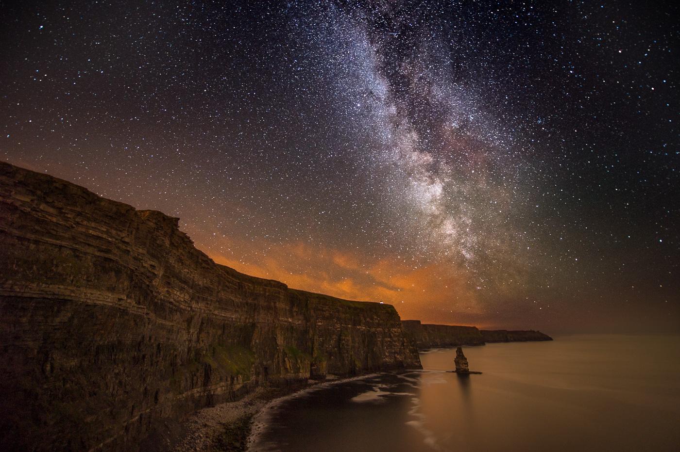 milky way cliffs of moher night sky