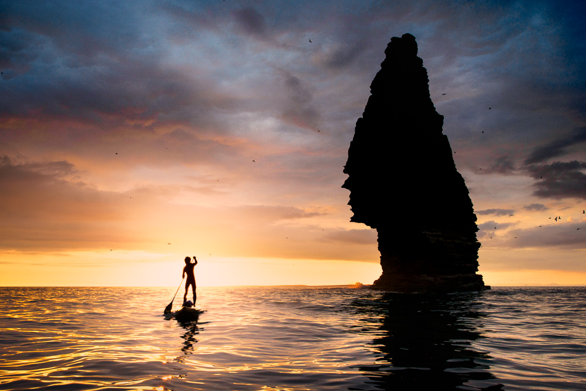sup stand up paddle ireland under cliffs of moher