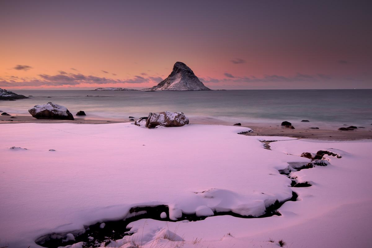 puffin_island_norway_snow_sunset_winter